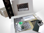 Svatební fotoalbum a fotorámeček, víno, svatební přání